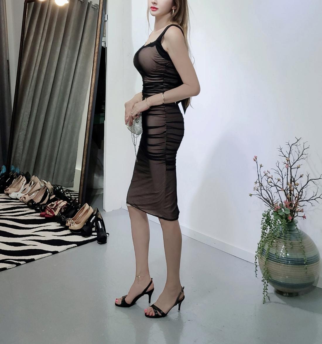 드레스 모델 착용 이미지-S1L20