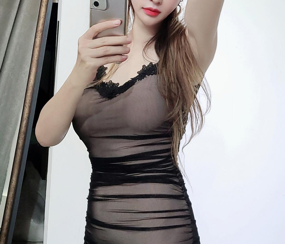 드레스 모델 착용 이미지-S1L3