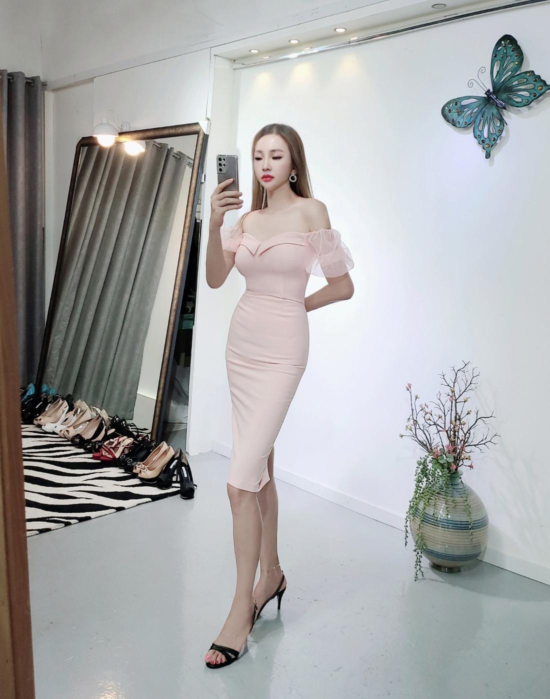 드레스 모델 착용 이미지-S1L22