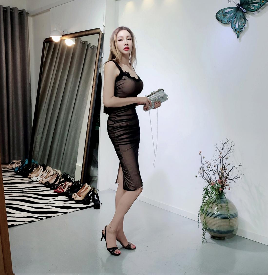 드레스 모델 착용 이미지-S1L17