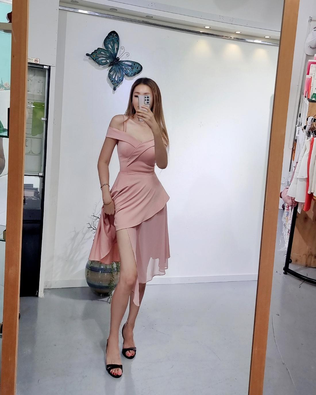 드레스 모델 착용 이미지-S1L5